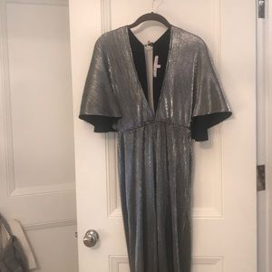 Insanely chic 70s wide leg silver jumpsuit